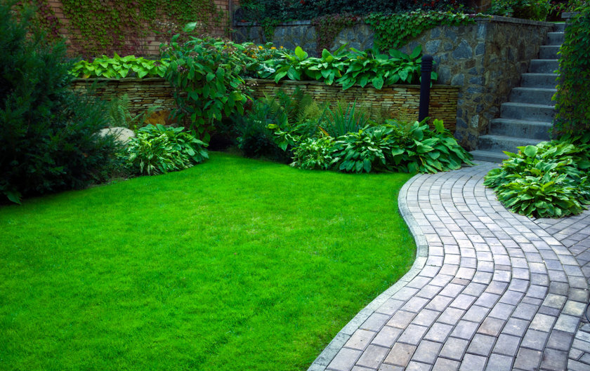 How much does a landscape gardener cost in the UK per sqm?