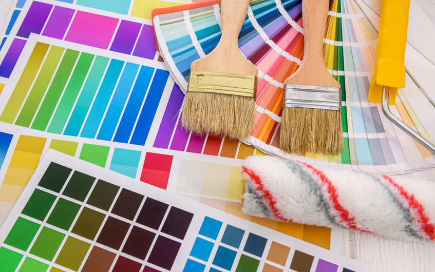 What are average painting and decorating prices per m2 in the UK?